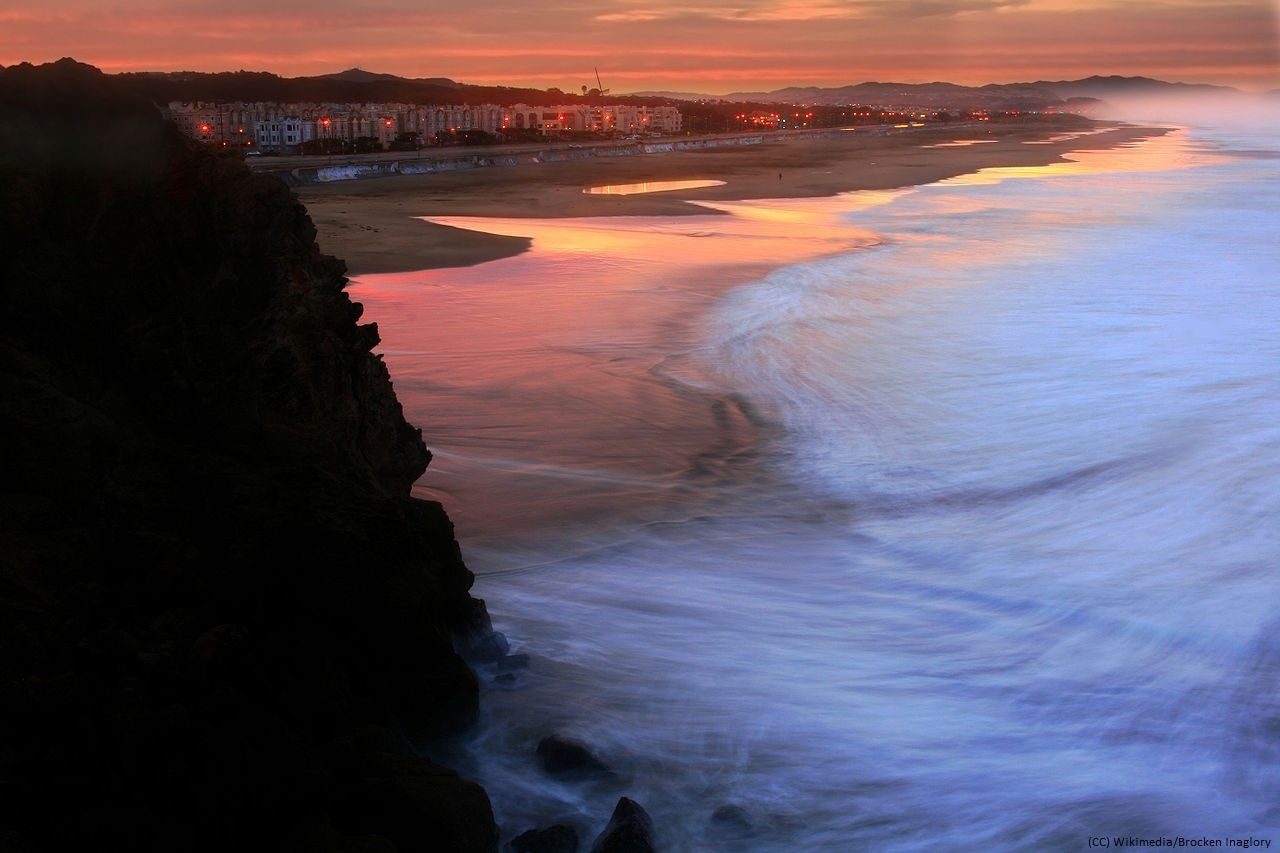 1280px-Ocean_Beach_in_San_Francisco_at_sunrise_Wikimedia